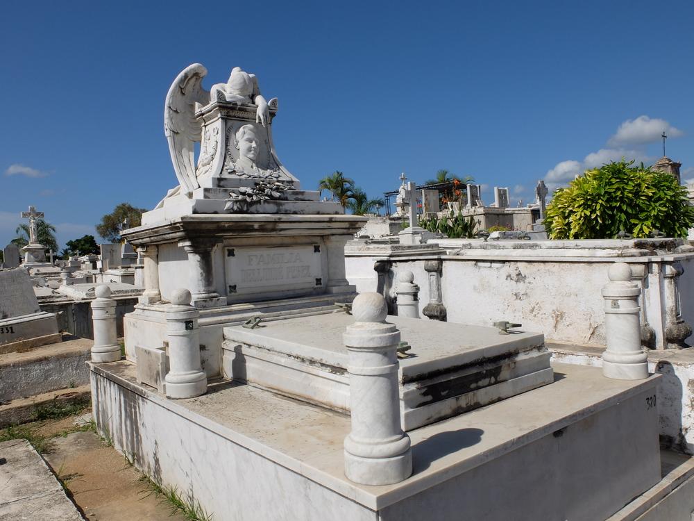 cuba2016santiago-cementerio-santa-ifigenia11