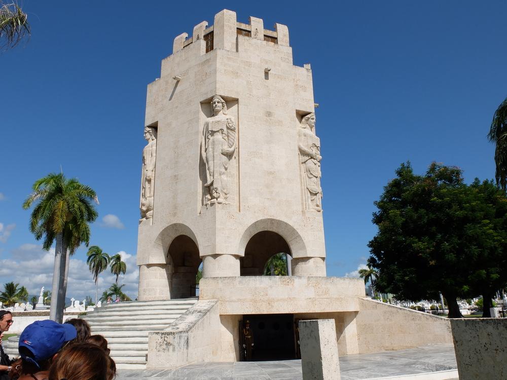 cuba2016santiago-cementerio-santa-ifigenia14