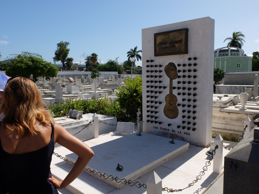 cuba2016santiago-cementerio-santa-ifigenia5